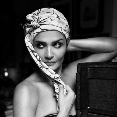 Perte de Cheveux : Une Souffrance Entendue par Helena Christensen