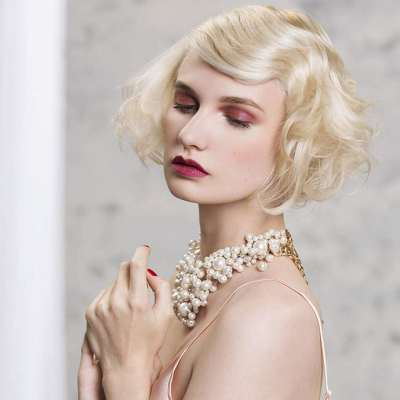 Portrait : Francine Ladrière, coiffeuse aux multiples talents.