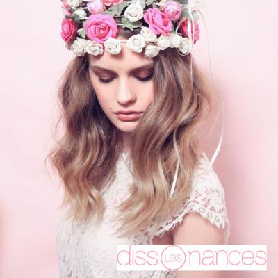 La couronne de fleurs : It accessoire cheveux de l'été 2015