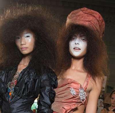 Défilés Vivienne Westwood et Moschino