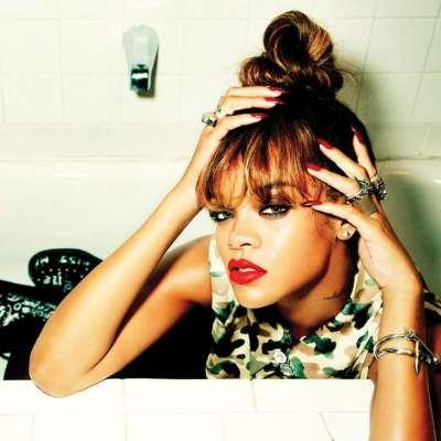 Rihanna y sus excentricidades capilares : una modelo para una generación