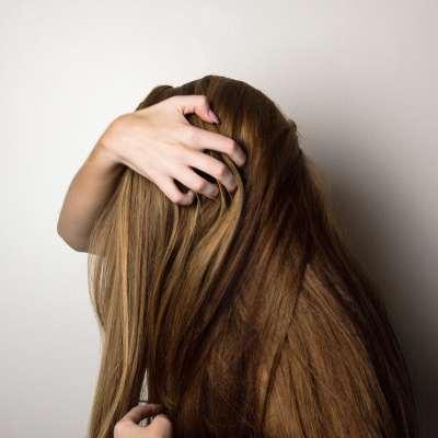5 faits qui accélèrent la chute des cheveux chez les femmes