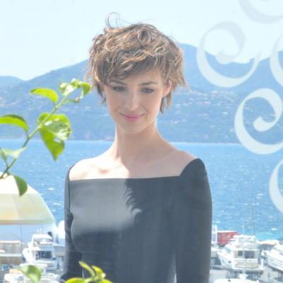 Louise Bourgoin : Une  nouvelle coupe de cheveux glamour et sexy
