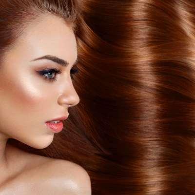 Les meilleurs conseils pour se lisser les cheveux sans les abimer