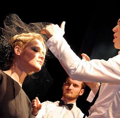Parisian make-over in the maison de coiffure Christophe-Nicolas Biot