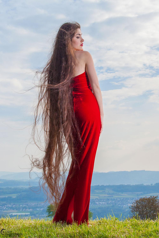 Interview Of Zaryana Milan Her Hair Is 2 Meters Long