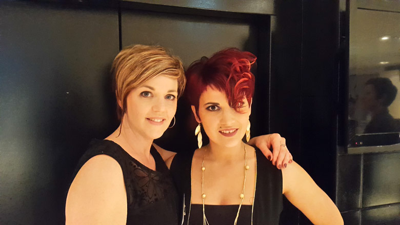 Virginie Cabaret, Meilleur Ouvrier de France transmits her know-how to the young hairdressers with the smile !